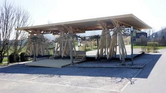 Das neue Garderobenprovisorium auf dem Golfplatz Limpachtal