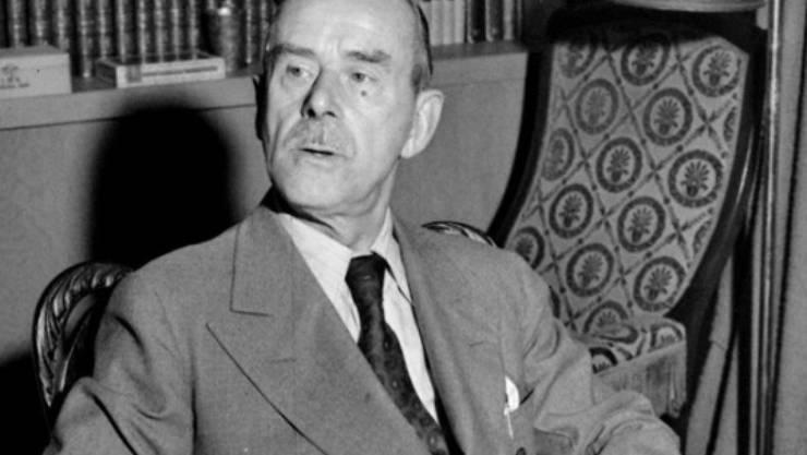 Der Exilant Thomas Mann 1942 an seinem Schreibtisch in Los Angeles (Archiv)