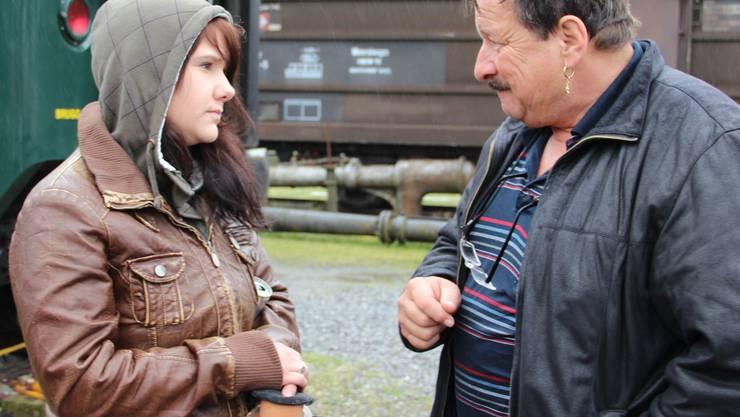 Rico Spring (rechts) beim Casting für die Freilichtproduktion «Hinter den 7 Gleisen». Carolin Frei