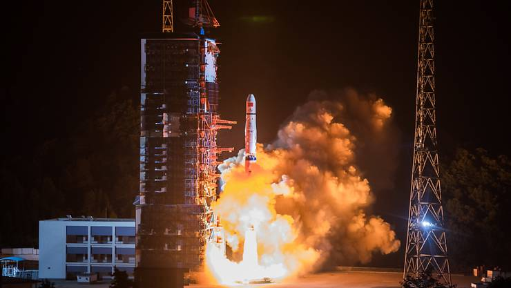 Vom Raumfahrtbahnhof Xichang aus ist am Freitagabend ein chinesisches Raumschiff zur Rückseite des Mondes aufgebrochen. (Archivbild)
