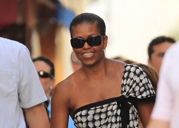 So sieht eine entspannte Präsidentinnengattin in den Ferien aus. Schlicht, aber nicht overdressed.