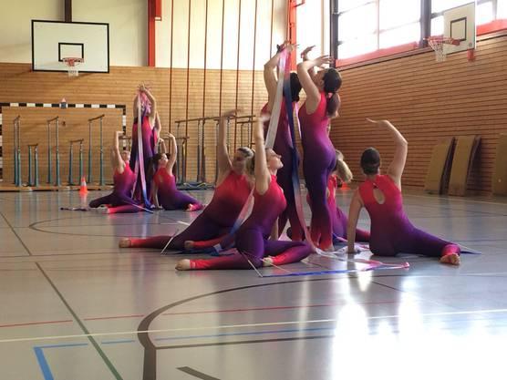 Gymnastik mit Band