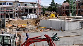 Keine Zinswende in Sicht: Wohnungsbau läuft auf Hochtouren.