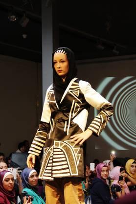 Das trägt die moderne Muslima von heute – Muster und Farben statt eintönige, lange Gewänder