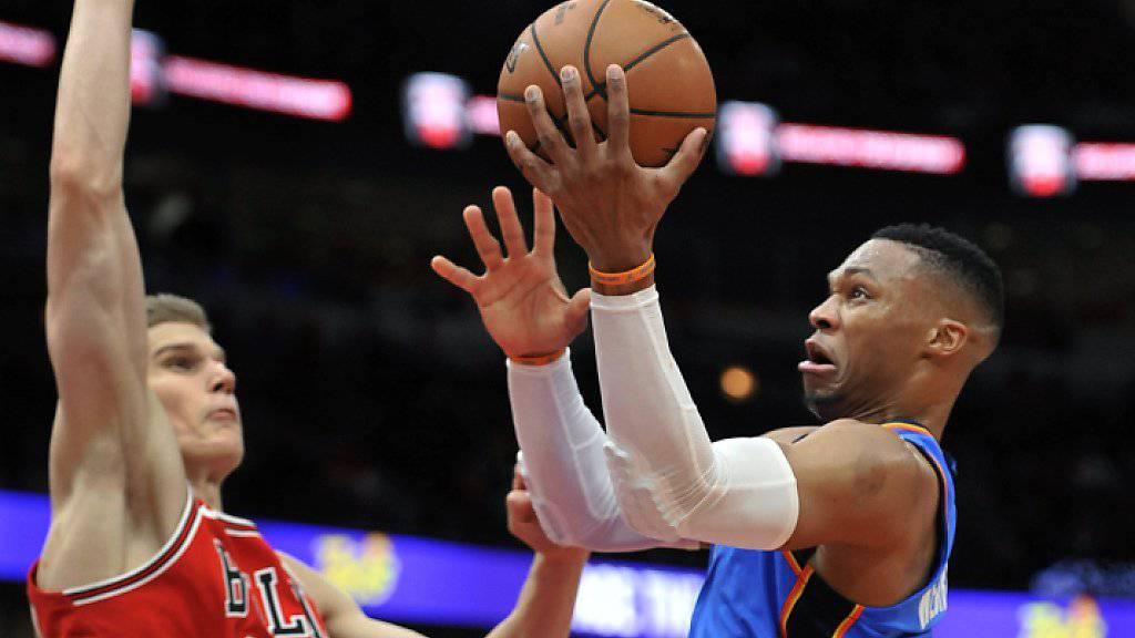 Russell Westbrook springt auf seinem Weg zum neuen Rekord an Lauri Markkanen von den Bulls vorbei