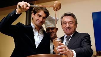 Zwei von fast 400000 Millionären im Land. Lindt-Chef Ernst Tanner (rechts) mit Roger Federer.