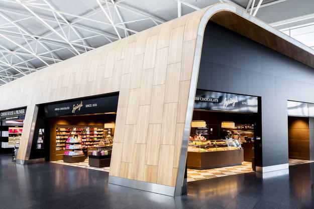 Passt auch ins Konzept: Die Sprüngli-Filiale am Flughafen Zürich.