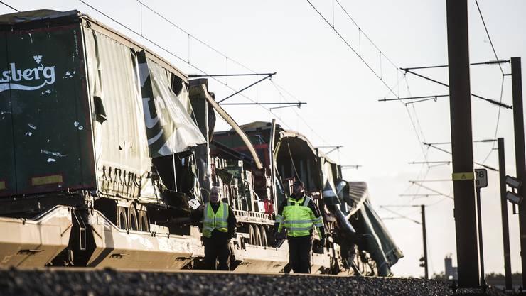 Beim Unfall auf der Storebaelt-Brücke über den Grossen Belt (Storebælt) sind am Mittwochmorgen acht Menschen tödlich verunglückt.