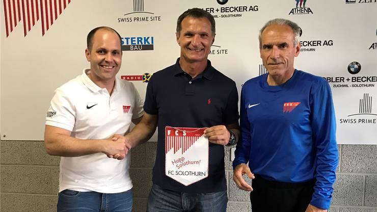 FCS-Präsident Samuel Scheidegger (links) mit dem neuen Trainer Dariusz Skrzypczak und Hans-Peter Zaugg.