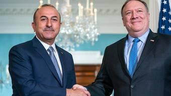 Der türkische Aussenminister Mevlut Cavusoglu (links) und sein Amtskollege aus den USA, Mike Pompeo, haben am Dienstag in Washington über den Fall Khashoggi gesprochen.