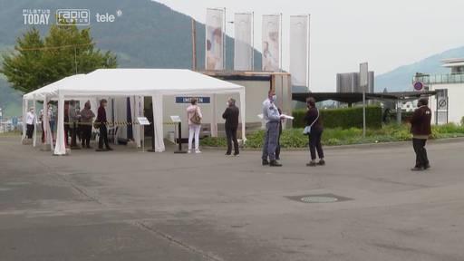 Impfzentren im Kanton Schwyz werden überrannt