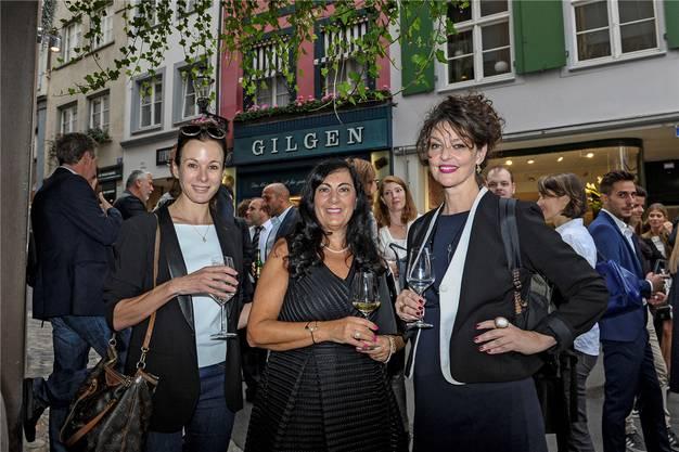 Drei Frauen bei den Sperbern: Caroline Rasser, Camela Santo und Rosetta Lopardo (von links).