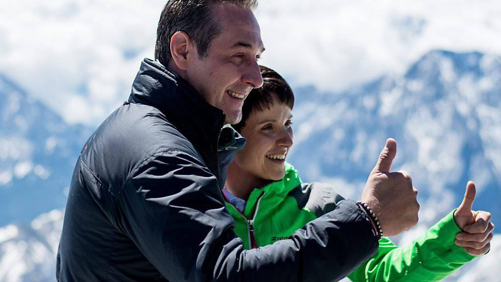 FPÖ-Chef Strache und AfD-Chefin Petry auf der Zugspitze.