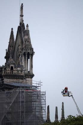 Die Pariser Kathedrale Notre Dame am Morgen nach dem verheerenden Brand.