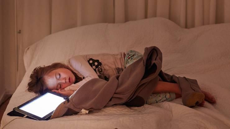 Bis zum Schlafengehen am Ipad – so sollte es nicht sein.