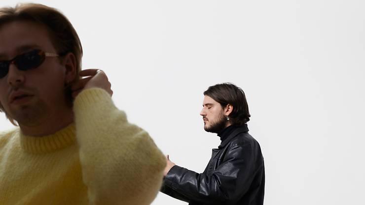 """Das Schweizer Mundartpop-Duo Hainan feiert mit seinem gleichnamigen Debütalbum den Genuss nächtlicher Abenteuer. """"Hainan"""" erscheint am 6. Dezember. (Bild: Dominik Hodel)"""