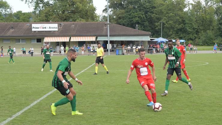 Lulzim Aliu bereitete den Thalwilern grosse Probleme und steurte zwei Tore zum ersten Heimsieg des FC Dietikon bei.