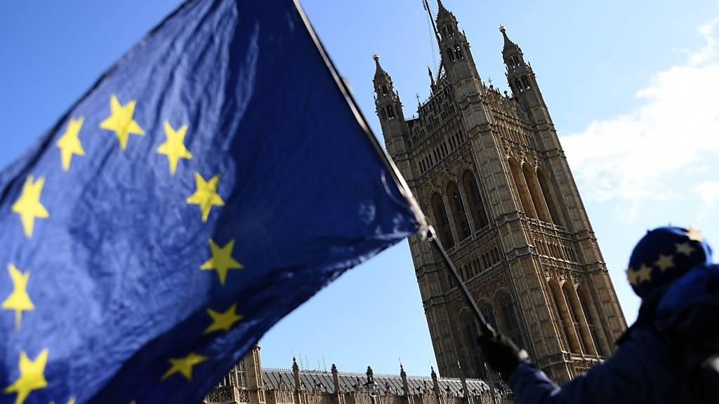 Britisches Parlament vor Neuwahl aufgelöst - Wahlkampf beginnt