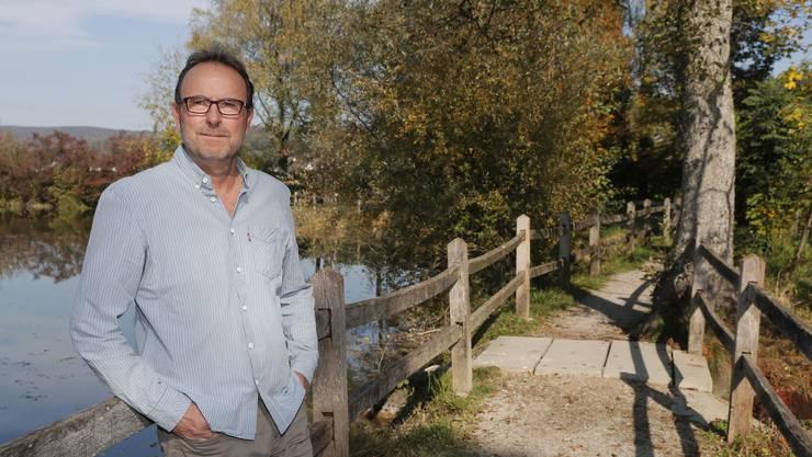 Der steinige Weg ist geschafftund so geniesst Markus Zangger das neue Leben nach der Veröffentlichung seines Buches in vollen Zügen – wie hier am «Chlostergumpen», unweit seines Wohnorts in Embrach.