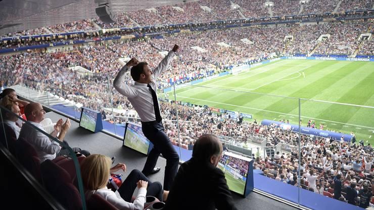 Frankreichs Präsident Emmanuel Macron feiert den WM-Sieg Frankreichs.