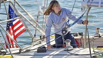 Abby Sunderland beim Start zu ihrer Weltumsegelung