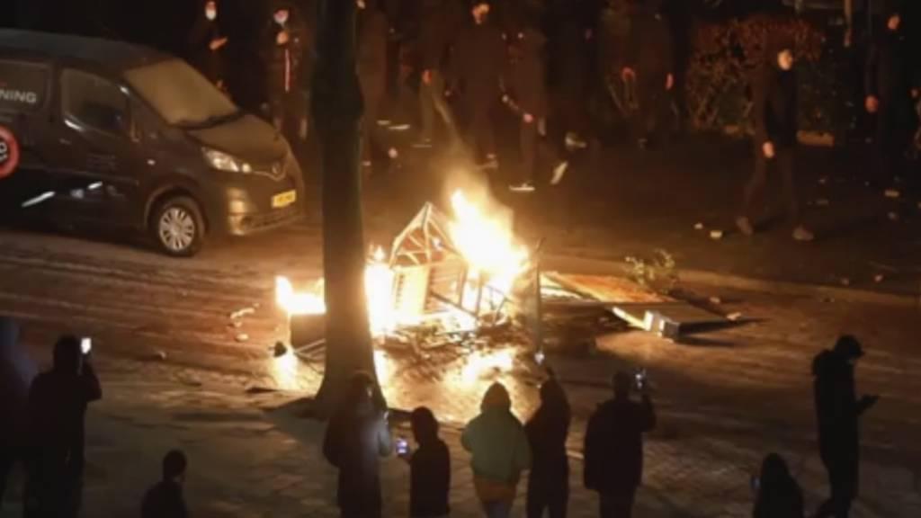 Nach unruhiger Nacht: Mehr als 130 Festnahmen in Niederlanden