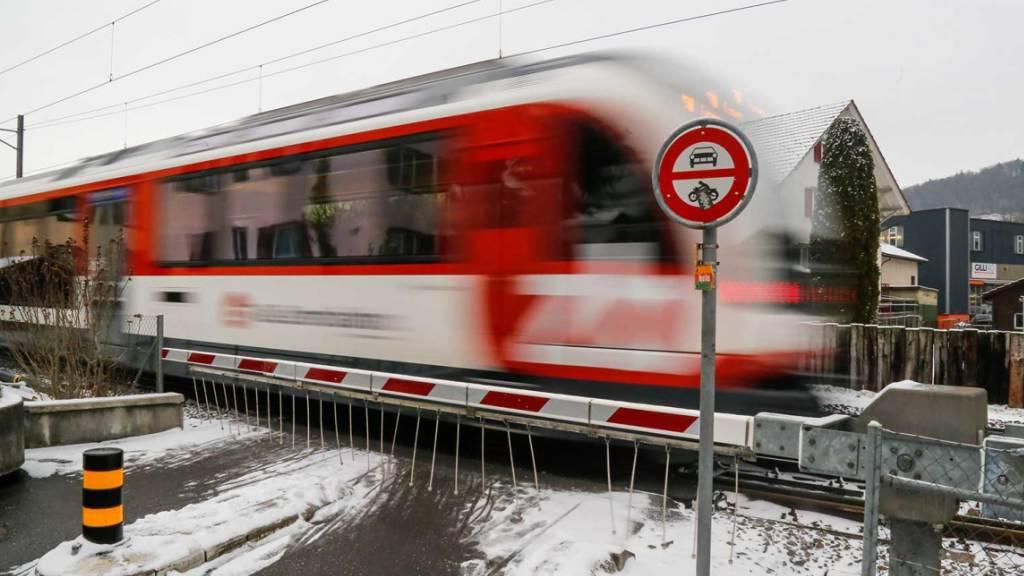 Gericht bewilligt Zentralbahn Schliessung von Bahnübergängen