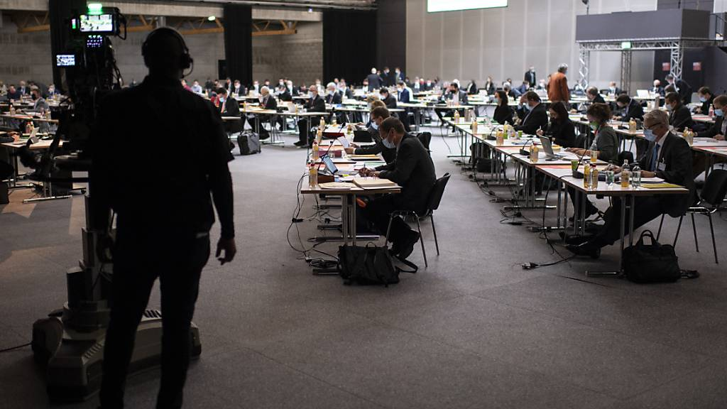 Der St. Galler Kantonsrat hat sich am Mittwoch nochmals mit den Härtefall-Regelungen beschäftigt und dabei die praktische Umsetzung angepasst. (Archivbild)