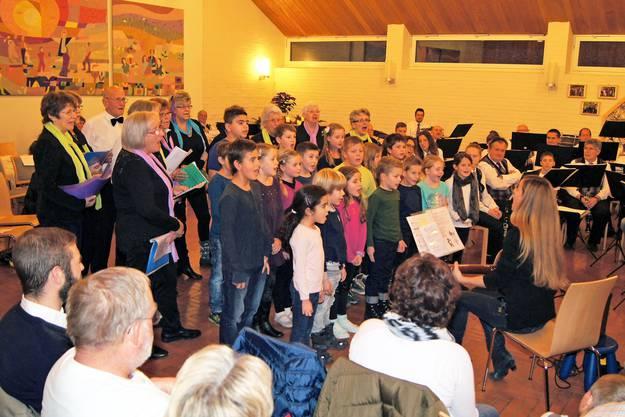 Der Generations-Chor begeisterte die Zuschauer.