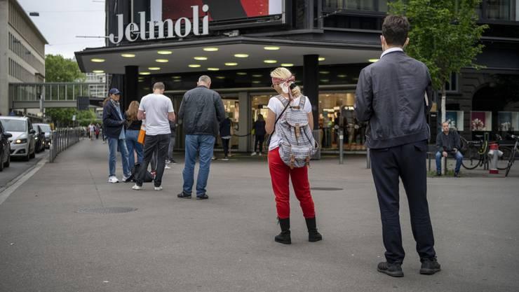 Der Coronakrise zum Trotz: Shopper wollen shoppen
