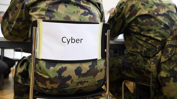 Der Bundesrat will die Cyber-Defence der Armee stärken. Dazu soll auch mehr Personal eingesetzt werden.