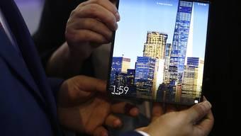 Das auffaltbare Huawei Mate X Smartphone kommt nun doch erst im September in die Läden. (Archiv)