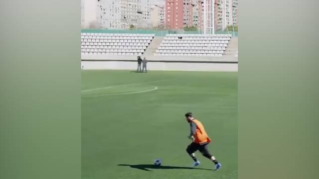 Messi geht mit unglaublichem Tunnel-Trickshot viral