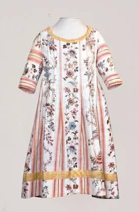 Kleid aus Indienne-Stoff. ZVG