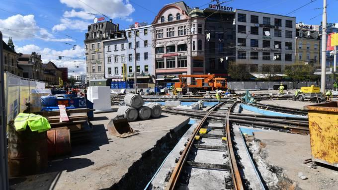 Centralbahnplatz: Halbzeit