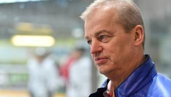 Erstes Training des EHCO mit dem neuen Cheftrainer und bisherigen Assistenten Chris Bartolone; der am Wochenende per sofort freigestellte Trainer Bengt-Ake Gustafsson verabschiedete sich vor dem Training mit wenigen Worten von der Mannschaft.