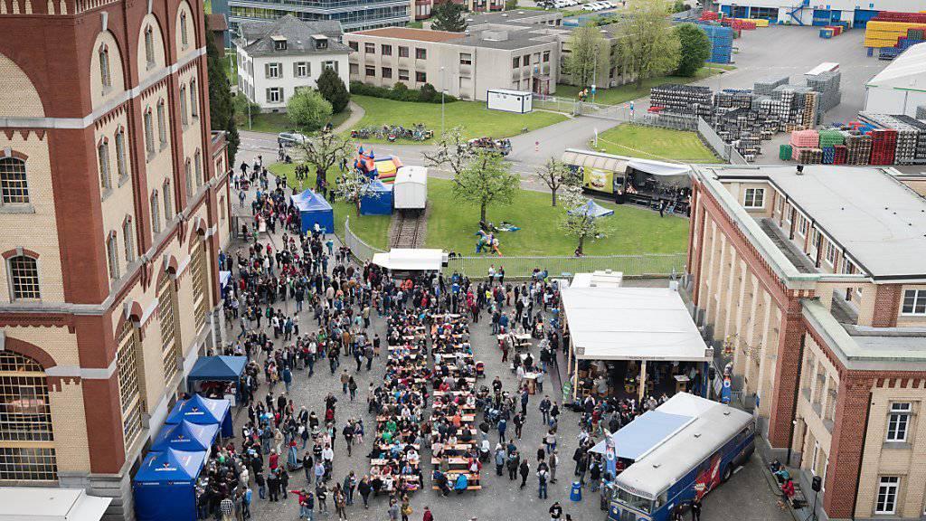 Gutes Braujahr 2014/15 für die Schweizer Brauer: Tag der offenen Tür bei Feldschlösschen in Rheinfelden im April. (Archiv)