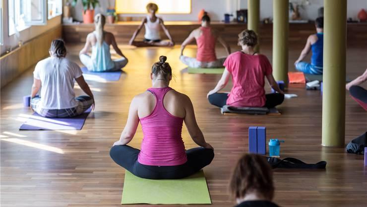 Zielgruppenfokussierte Kommerzialisierung: Hormon-Yoga für die Frau ist im Trend.