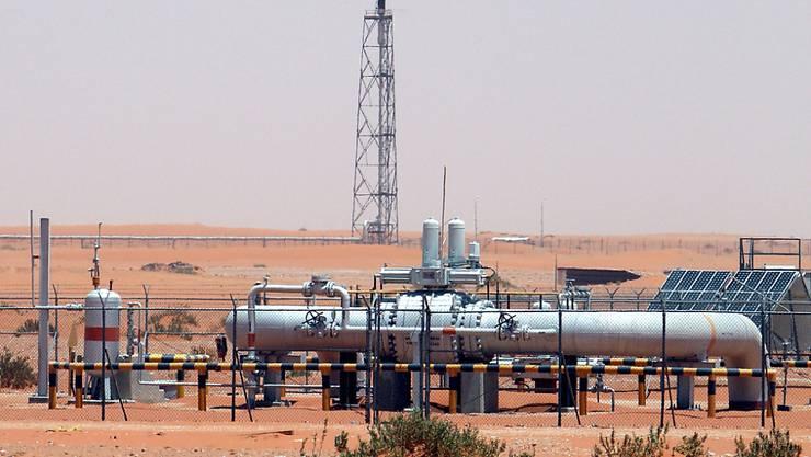 Die Opec und die zehn mit ihr kooperierenden Staaten steuern auf eine weitere Förderbeschränkung um 500'000 Fass (159 Liter) pro Tag zu. (Archiv)