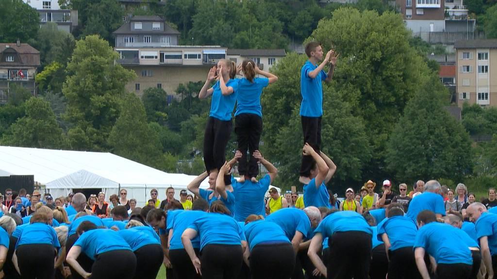 STV Höri zeigt Gymnastik-Nummer mit 111 Vereinsmitgliedern am ETF