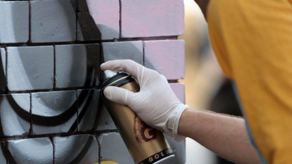 Polizei nimmt zwei 16-jährige Sprayer fest