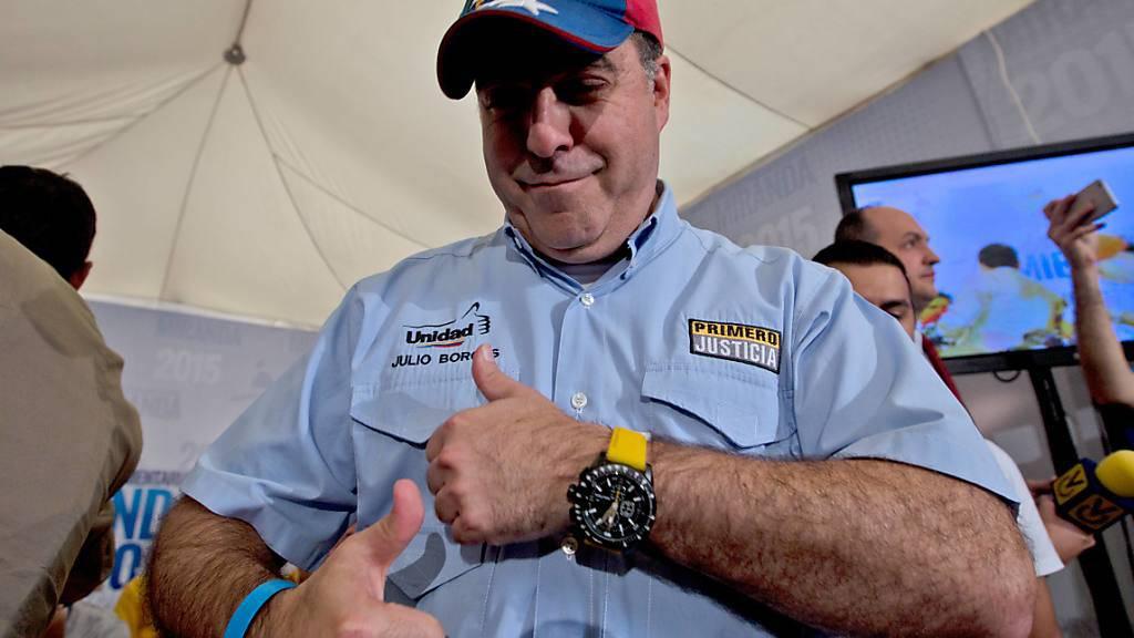Kongressmitglied Julio Borges in Venezuela freut sich über seine Wahl und die gewonnene Zweidrittelmehrheit der Opposition.