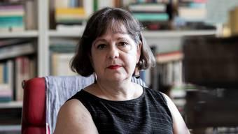 Kulturwissenschafterin Elisabeth Bronfen in ihrer Zürcher Wohnung.