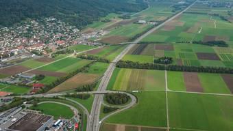 A1 bei Oensingen: Sechsspur-Ausbau geht zulasten von Ackerland. (Archiv)