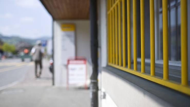 Zahlreiche Poststellen wurden in den vergangenen Jahren geschlossen oder in Agenturen umgewandelt. Der Ständerat möchte der Post kein Moratorium für weitere Schliessungen auferlegen. (Themenbild)