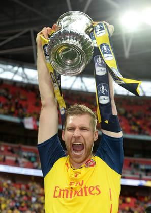 Mit Arsenal gewinnt Per Mertesacker 2015 den FA-Cup.