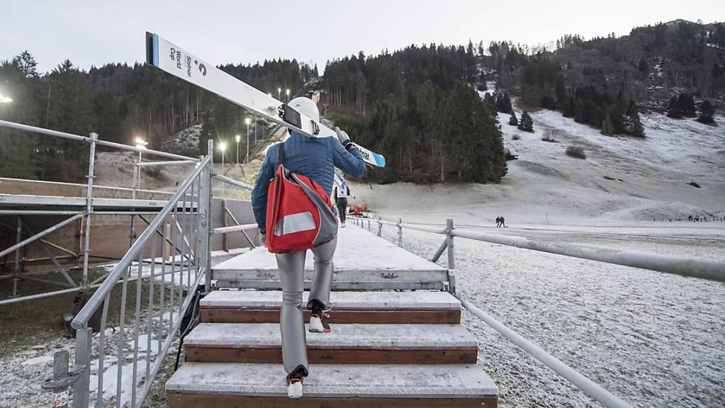 Training statt Wettkampf: Simon Ammann kehrt dem Weltcup temporär den Rücken zu. (Archivaufnahme)