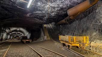 Blick in das stillgelegt Bergwerk am Gonzen. Jedes Jahr erleben rund 10'000 Besucher den einstigen Arbeitsalltag im Stollen.