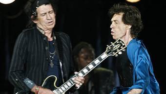 Gitarrist Keith Richards (l.) und Sänger Mick Jagger (r.) 2007 in Lausanne (Archiv)