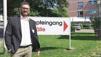 Daniel Schibler ist seit 6,5 Jahren Direktor des Spitals Menziken, das 40 Akut-Betten hat.